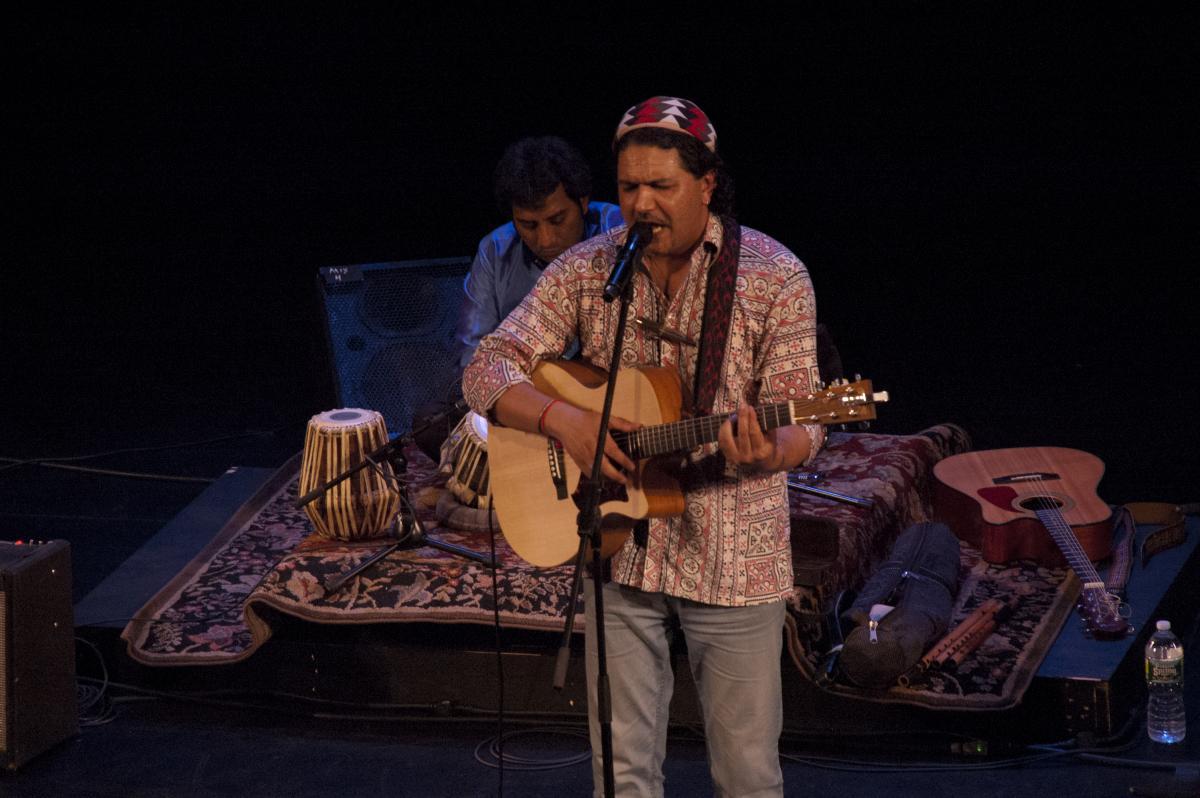 Arieb Azhar, Season 1, performing at River to River Festival