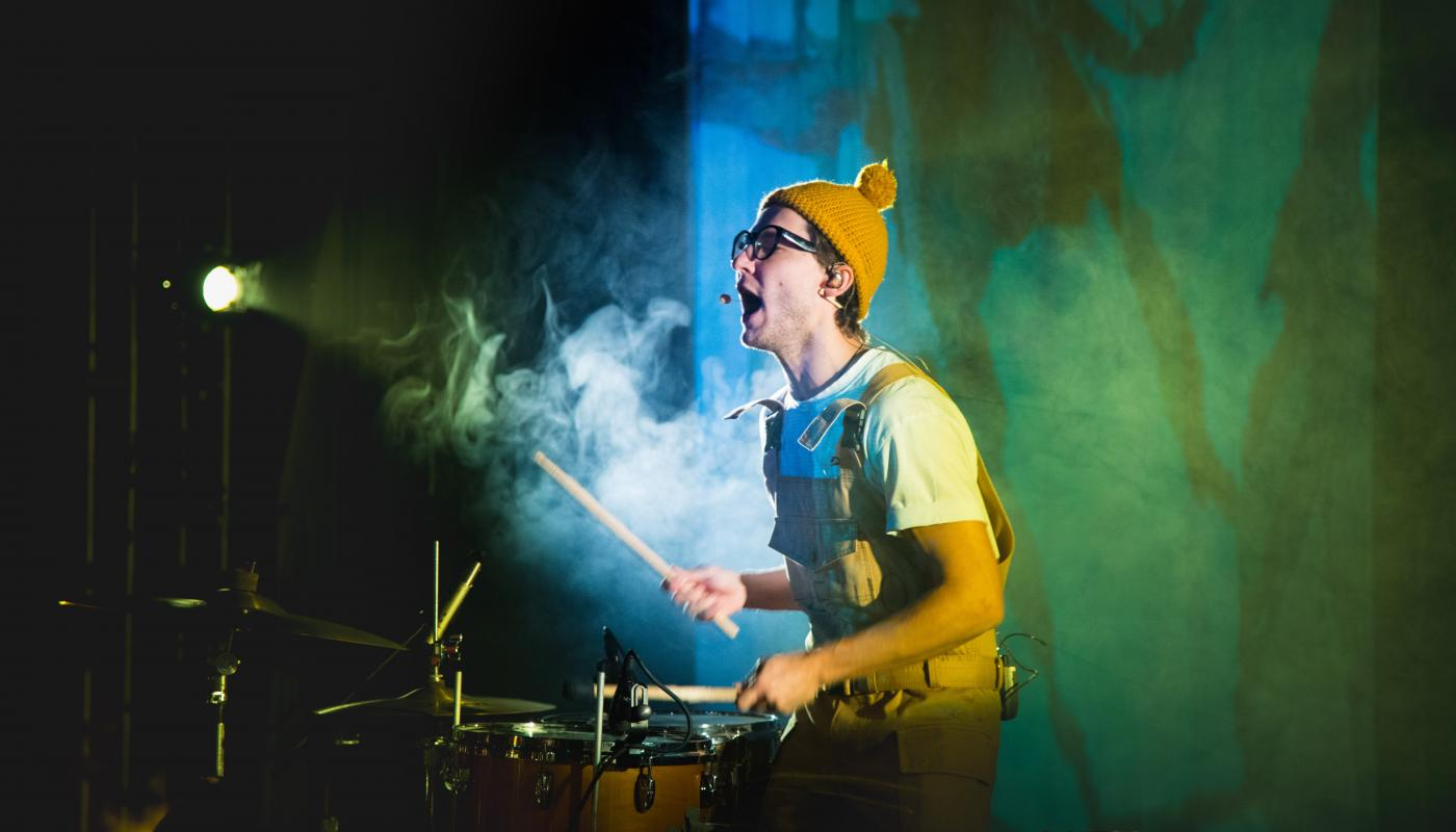 Teatr Pralni's Drummer Performing at the Kennedy Center